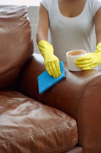 Cleaning leatherette