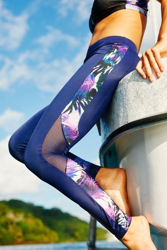 Stretchy patterned sports tights