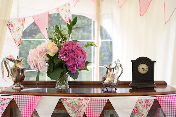 This image has an empty alt attribute; its file name is Bedfordshire-Marquee-Wedding-Welsh-Cath-Kidson-by-Sharon-Cooper-010.jpg
